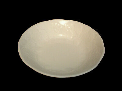 """Strawberry & Vine by Wedgwood COUPE CEREAL BOWL 6 7/8"""""""