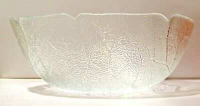 """Arcoroc Aspen Leaf Pattern 11"""" Round Salad Bowl or Mixing Bowl - clear glass"""