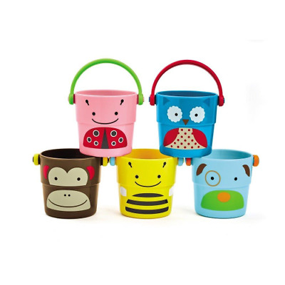 Skip Hop Zoo Stack and Pour Buckets Bath Toy