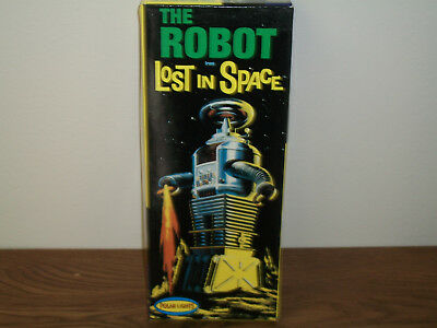Polar Lights The Robot From Lost In Space