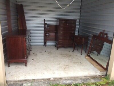Antique 5 Piece Mahogany Queen Anne Bedroom Suite