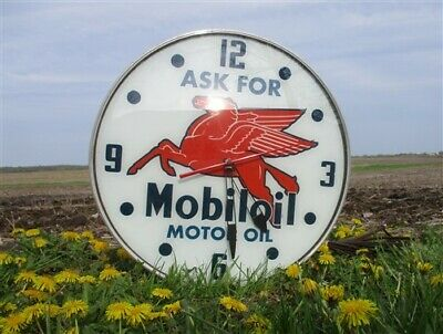 Mobiloil Mobil Advertising Clock, Lighted Sign, Gas Station Pump Pegasus b,
