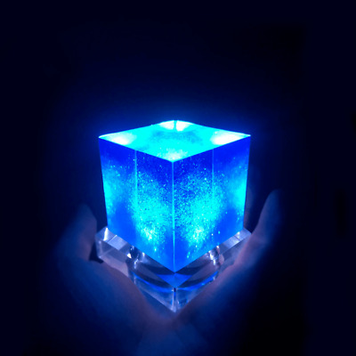 Avengers Tesseract Cube + Base 1/1 Scale Marvel Thanos Led Cosplay Prop 6.5CM