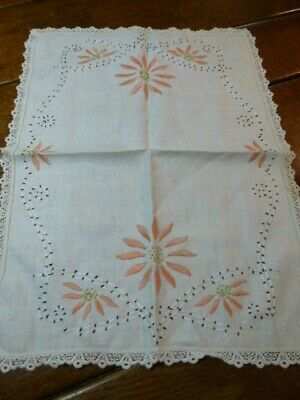 Vintage  Arts & Crafts, Mission Style Linen Embroidered Runner Pink Daisy Flower