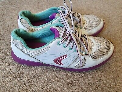 Girls Clarks cica trainers size 3.5 F - white purple lace up