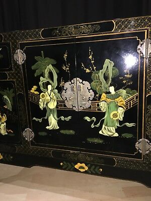 Hand Decorated Black Lacquer Cabinet Geisha Landscape Chinoiserie Wood Commode🏹