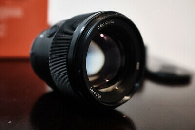 Sony FE 85mm F/1.8 Lens. Perfect Condition. w/Box.