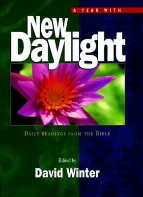 Year with New Daylight: Daily Readings from the Bible,David Winter