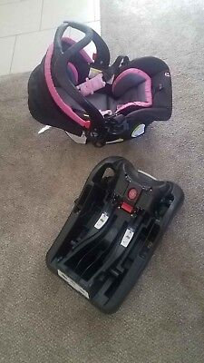 Baby Trend Brand ,Snap Gear base car seat set