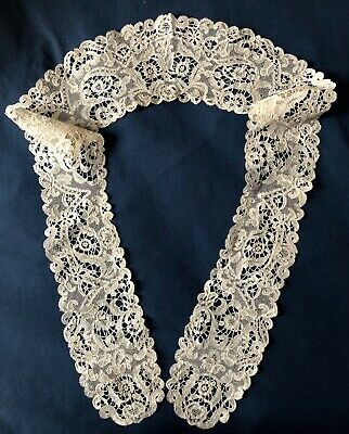 Long curved Belgian berthe bobbin and needle lace COSTUME COLLECT