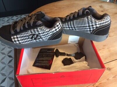 heelys size 2 boxed in great condition