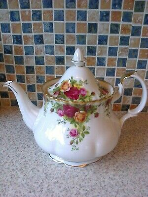 1962 Royal Albert Bone China Old Country Roses Design Teapot Holds 2.5 Pints