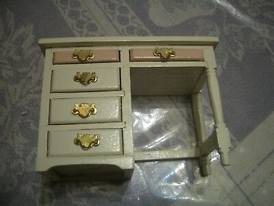 Concord Dollhouse White/Pink Desk (Assorted Colors In Diff Listings) #6251Wp M/B