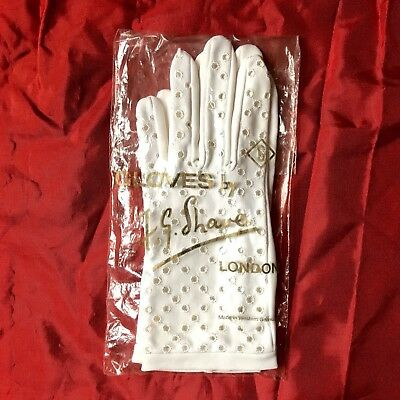 Ladies Vintage 1950s F G Shave Broderie Anglais White Gloves In Original Package