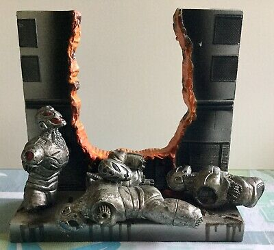2005 Marvel Legends Tony Stark Iron Man Defeated Ultron Base Accessory Only