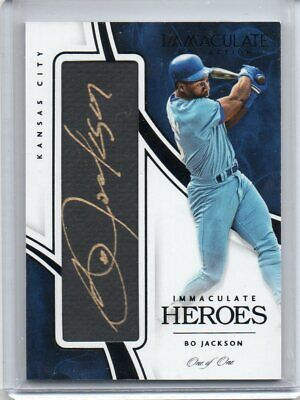 2016 Panini Immaculate Bo Jackson Immaculate Heroes Autograph Black 1/1 Royals