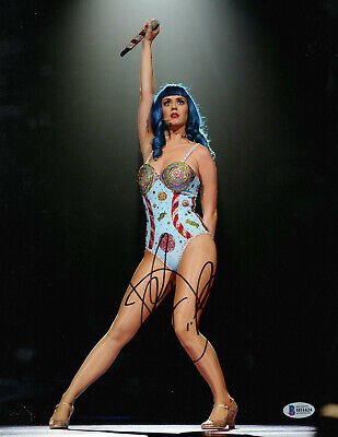 Sexy Katy Perry Signed 11X14 Photo Authentic Autograph Beckett Bas 2
