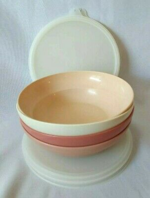 SET of 4 TUPPERWARE CEREAL BOWLS BLUSH COLORS W/ LIDS