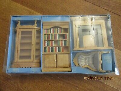 Kit Cabinet Chippendale Collection wood furniture Houseworks 13018 1//12 scale