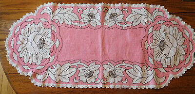 Vintage embroidered stitched beautiful red floral huck cloth dresser scarf