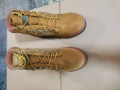 Brand New Displayed Timberland 6-Inch Waterproof Field Men Boots discolored foot