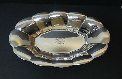 VINTAGE TIFFANY & CO. STERLING SILVER MID-CENTURY BREAD TRAY #2293, 370 grams
