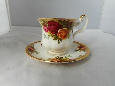 ROYAL ALBERT OLD COUNTRY ROSES CUP(7.25cms high)&SAUCER(12.5cms diameter)