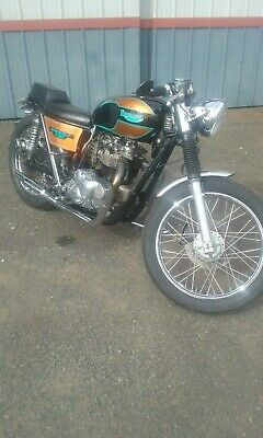 Triumph Bonneville 1983 electric start new rims new spare seat goes well