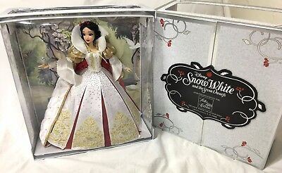 """NEW Limited Edition 17"""" Snow White LE Doll 1 of 1000 Saks Exclusive 5th Avenue"""