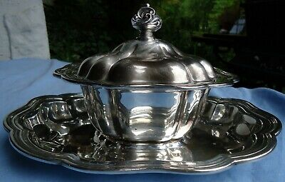 Vintage Silverplate Covered Gravy/Sauce Holder W/Under tray Old English Melon