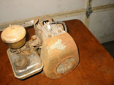 Vintage Briggs&Stratton • Model 5S Type 700-302 PARTS FIXER gas engine motor