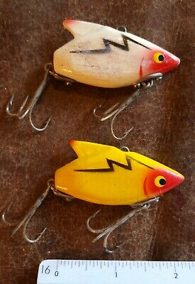 Lot of 2 unmarked unknown Vintage Wood (Heddon SONIC STYLE) Lures USED COND