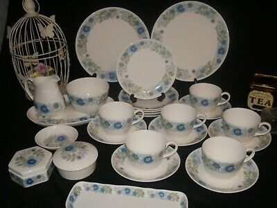 Wedgwood Clementine Vintage China 27pc Tea Set Cups Saucers Sides Cake Plates