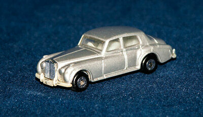 Matchbox James Bond 007 Rolls Royce Silver Cloud II A View to a Kill 1985