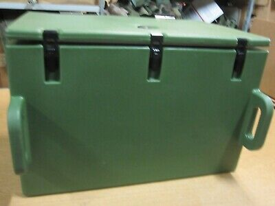 Cambro SIDE LOADER CONTAINER NEW IN THE BOX 200MPC CATERERS