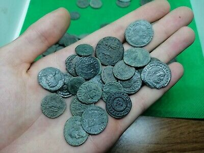 1 Bid = 5 Ancient Roman Imperial Bronze Coins - Half Cleaned - 100/400 Ad