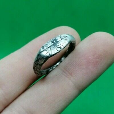 SUPERB ANCIENT CELTIC DECORATED SILVER RING -  300 BC - 19mm