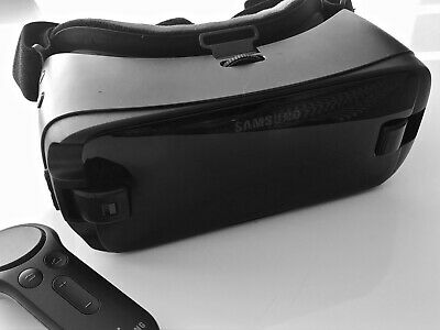 Samsung Gear VR Headset with Controller - Black