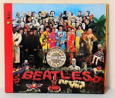 The Beatles~Sgt. Peppers Lonely Hearts Club Band~+Booklet~Cd Album~Like New