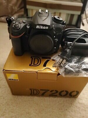 Nikon D7200 gently used low shutter at 13,119. Charger, manual, box, battery.