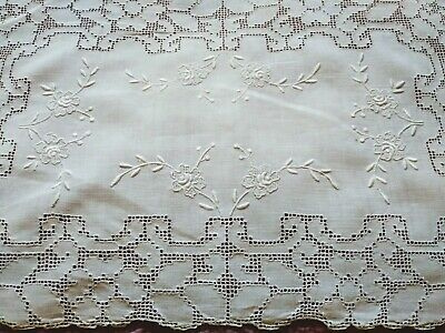 """Beautiful Punchwork & Embroidered Madeira Linen Placemat 16 1/2 x10"""""""