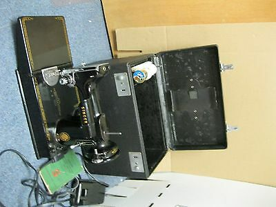 Vintage Singer Featherweight 221 Sewing Machine w/Case and Instructions