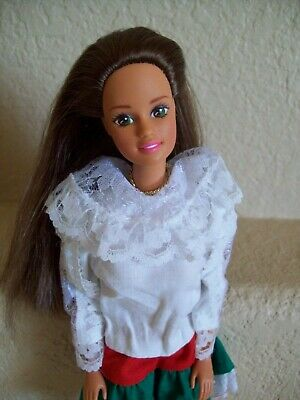 1990 Mattel Teresa Doll with White Red Green outfit Mexico Latina Hispanic