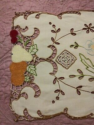 "Amazing Madeira Style Fruit & Lace Embroidered & Cutwork Linen Runner 31""x11"""