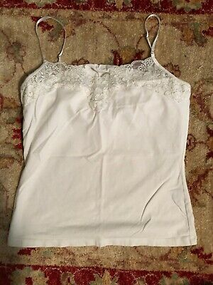 EUC The Limited White Sleeveless Knit W Lace Trim Pearls Tank Top Cami - Sz M