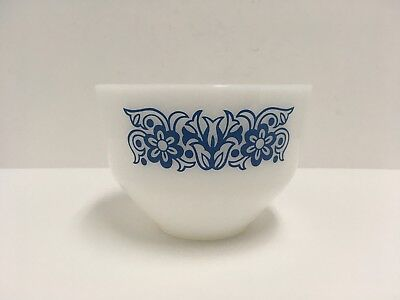 Vintage Federal White Milk Glass and Blue Floral 1 1/2 Quart Mixing Bowl GUC