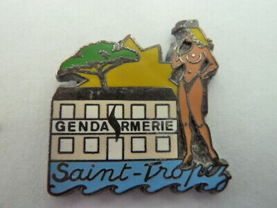 Pin's  Gendarmerie  Nationale  /  Saint Tropez  /  Pin Up  /  Rare