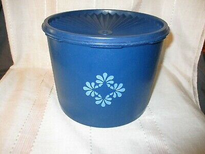 Vintage Blue Tupperware Round Cookie Canister w/Servalier Lid #1626 17 Cups