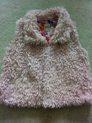 Mantaray Debenhams Girls Pink Fluffy Gillet / Waistcoat  6-7 years