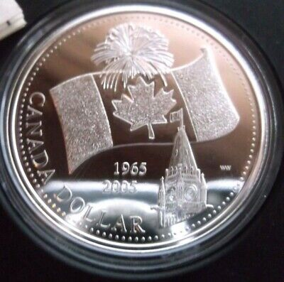 2005 Canada's National Flag 40Th Anniversary Silver Bu Dollar In Capsule Only.